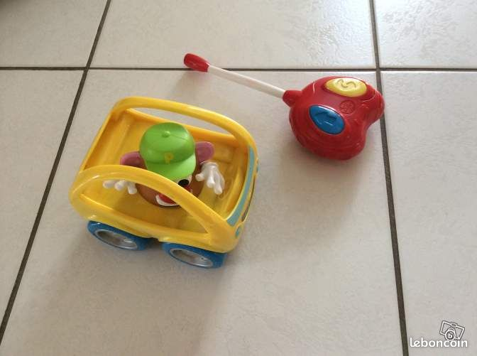 voiture t l command e de mr patate jeux jouets bas rhin. Black Bedroom Furniture Sets. Home Design Ideas