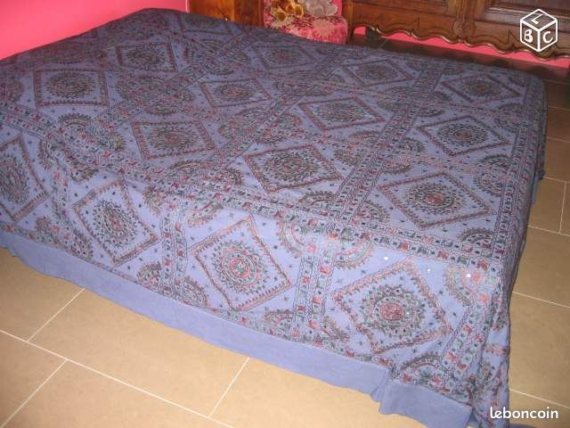 Tissu indien tenture murale couvre lit d coration r union for Decoration murale tissu