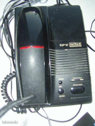 Téléphone répondeur marque matra - La Flèche - Téléphone répondeur MATRA interrogeable à distance parfait état de marche téléphone à fil vendu avec mode d'emploi  - La Flèche