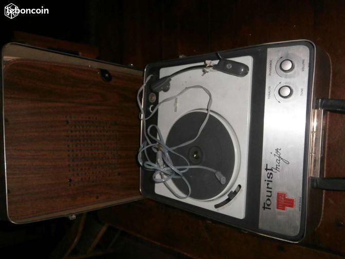 ancien tourne disque teppaz tourist major 1960 collection vaucluse. Black Bedroom Furniture Sets. Home Design Ideas