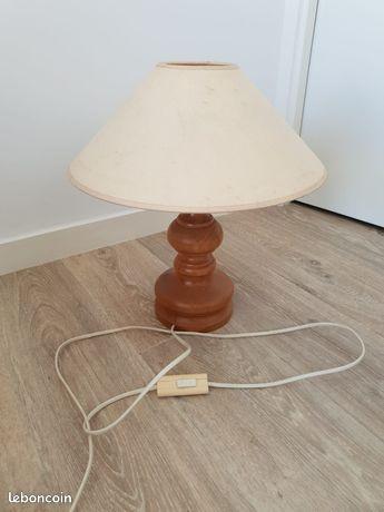 Grande lampe ancienne pied en bois