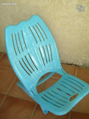 Chaise plage piscine pliante en plastique neuve sports for Chiasse piscine