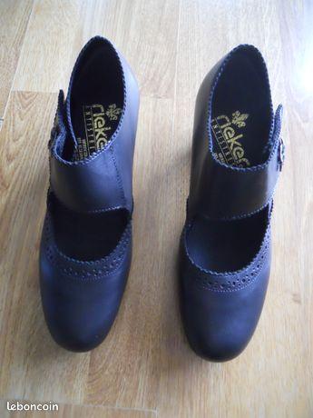 Chaussures noires en cuir pour femme Taille 38