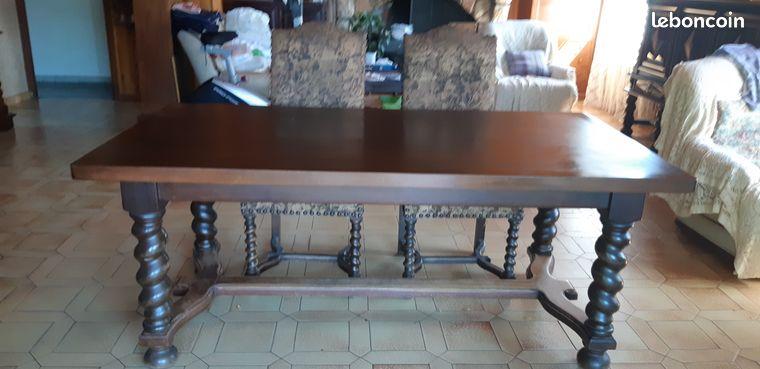 Table bois rustique louis xiii et 6 chaises