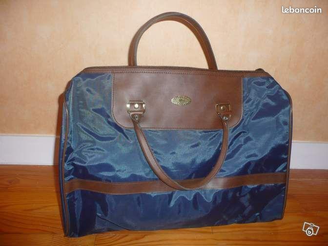 petit sac de voyage accessoires bagagerie ain. Black Bedroom Furniture Sets. Home Design Ideas