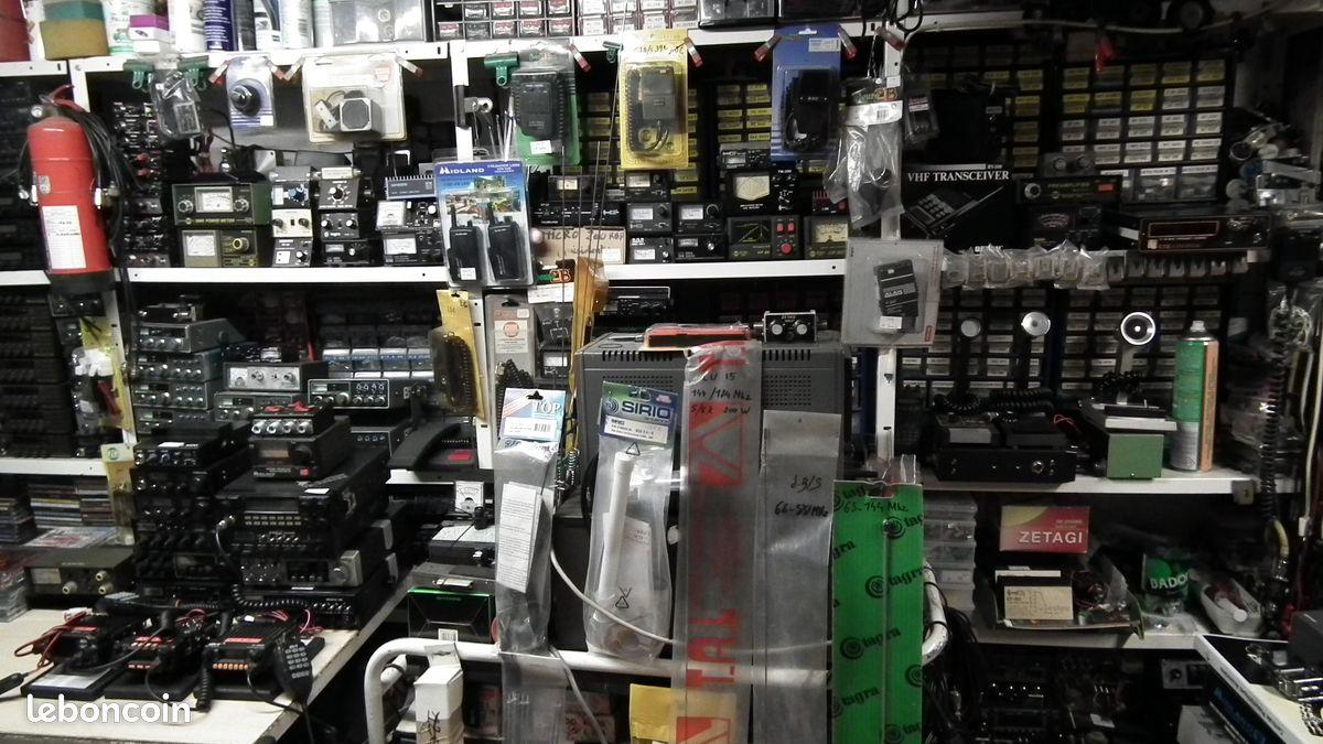 Recherche Tagra Orly avec son kit accus et son antenne télescopique 8942c709972030d9238027bf310b960681c0dda7