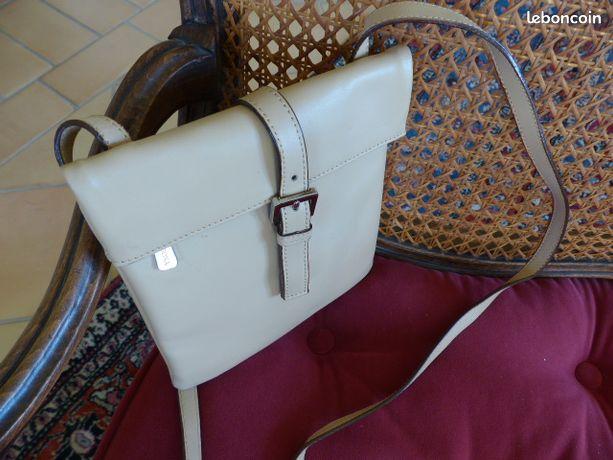c1901018726 Accessoire mode occasion Bouches-du-Rhône - nos annonces leboncoin ...