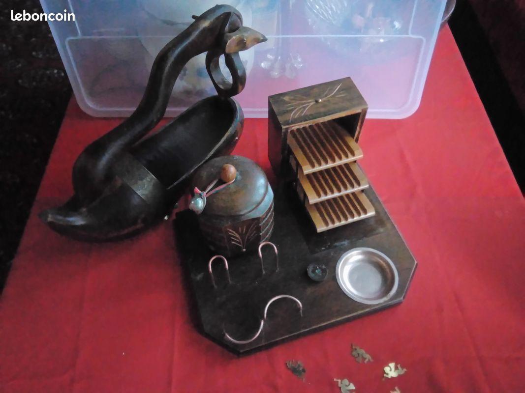 Déco vintage ancien sabot en bois/ présentoir a tabac