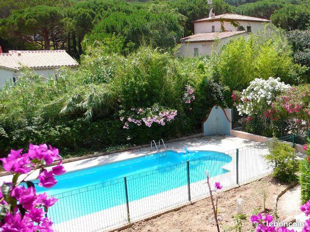 A louer à Ste-Maxime, Appartement avec piscine dans villa, 500m de la plage La Nartelle