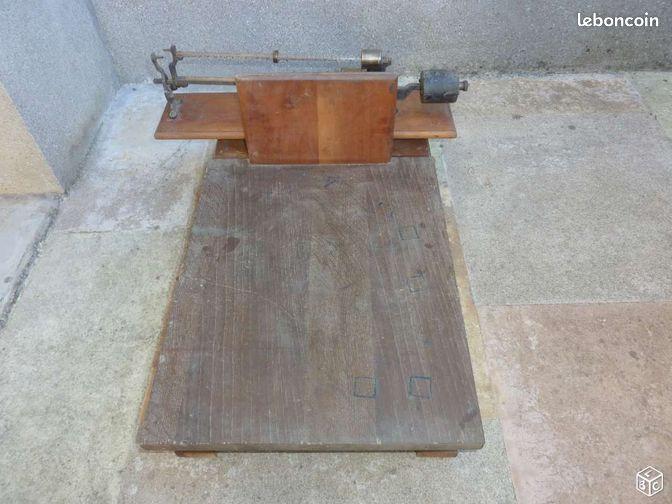 ancienne bascule de pes e d coration c te d 39 or. Black Bedroom Furniture Sets. Home Design Ideas