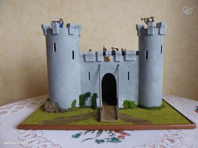 ancien chateau fort restaurer jeux jouets nord. Black Bedroom Furniture Sets. Home Design Ideas