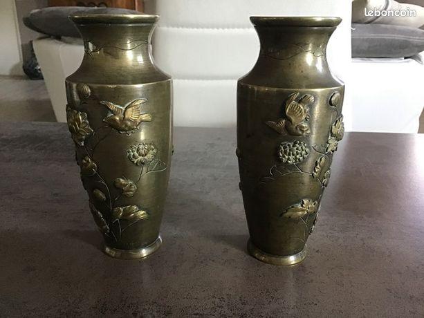 Paire de vases anciens en laiton Extrême Orient fin 19e