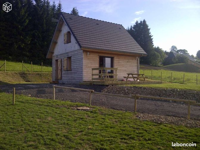 Maison villa pour les vacances la tour d auvergne for Auvergne location maison