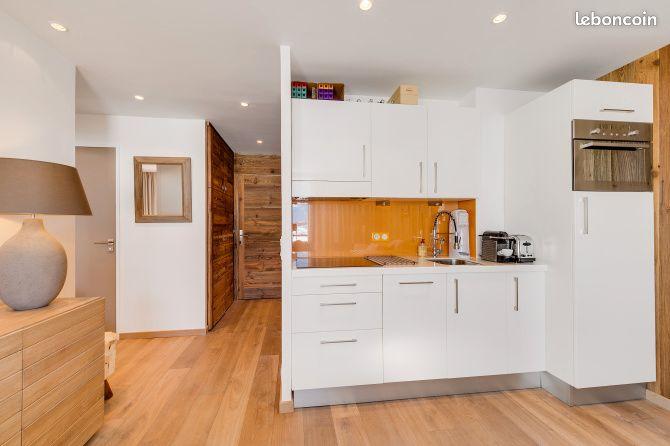 travaux am nagement maison divonne les bains services entre particuliers. Black Bedroom Furniture Sets. Home Design Ideas