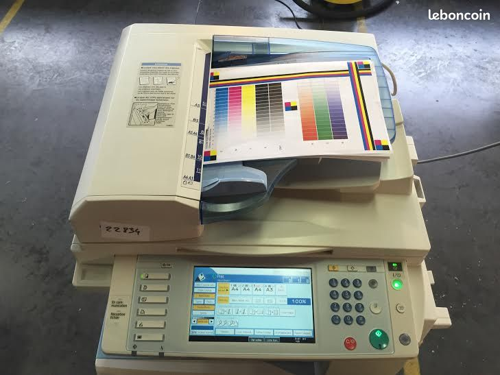 Photocopieur multifonctions ricoh mp c2051