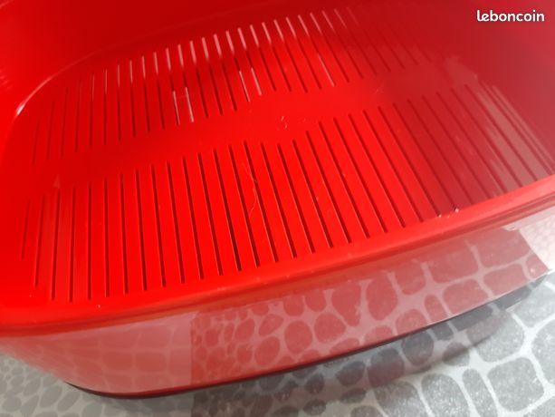 Autocuiseur tupperware rouge