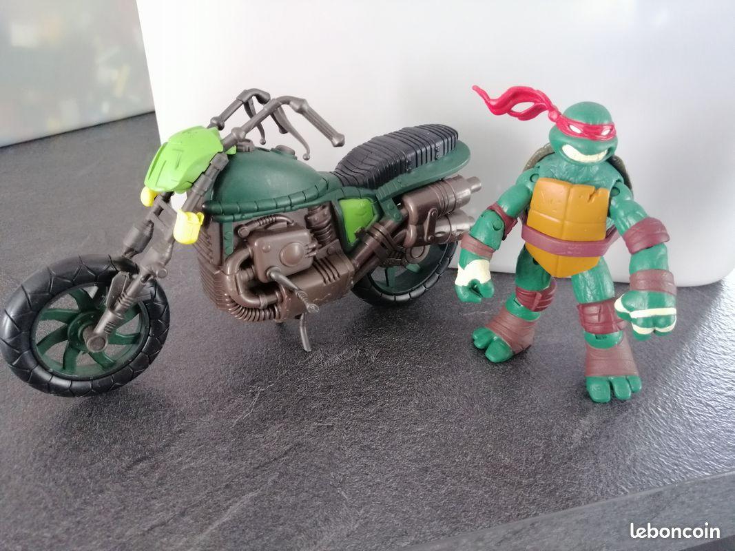 Moto tortue ninja + figurine raphael
