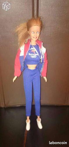 Barbie jeux olympiques (in.12) - Abbecourt - Barbie jeux olympiques. Le visage de la barbie est effacé, du le bas prix. Possibilité d'envoi mais frais supplémentaires à votre charge. Consultez toutes mes annonces en tapant in.12  - Abbecourt