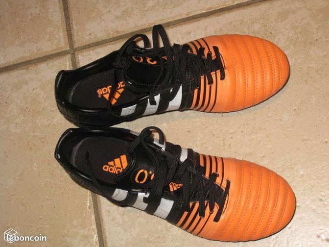Chaussures de football ADIDAS - Montceau-les-Mines - VENDS CHAUSSURES DE FOOTBALL ADIDAS NITROCHARGE 3.0 CRAMPONS VISSES TAILLE 39 2/3 EN TRES BON ETAT  - Montceau-les-Mines