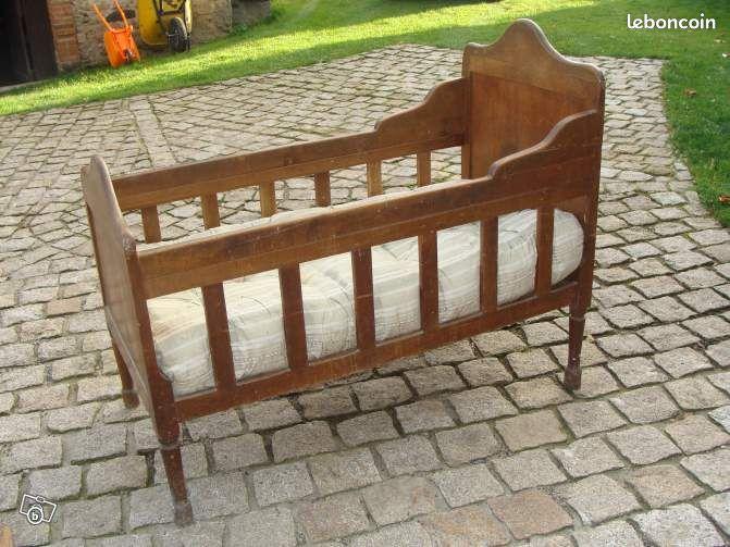 lit enfant ancien d coration puy de d me. Black Bedroom Furniture Sets. Home Design Ideas