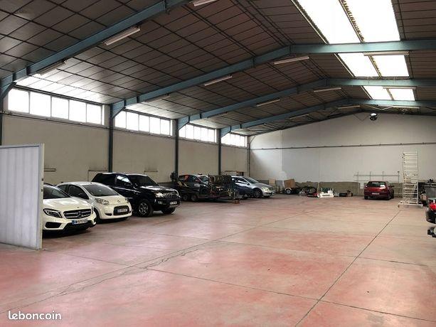 Local bureaux 1 500 m²