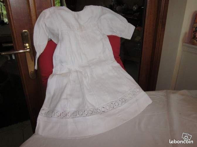 robe de bapteme ancienne faite main equipement b b ille. Black Bedroom Furniture Sets. Home Design Ideas