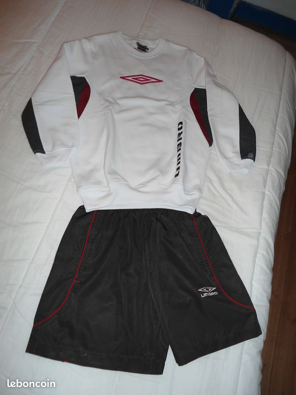 Sweat et short umbro 12 ans