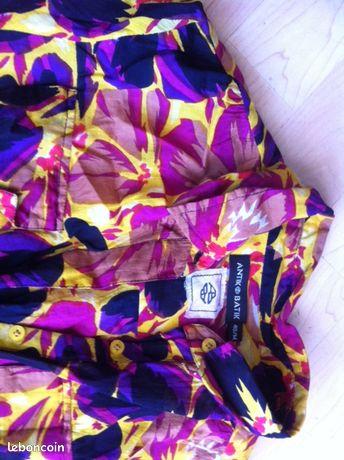 Robe ANTIK BATIK - Marseille - Robe en voile de coton imprimé , les manches se froncent, boutonnée poitrine Marque ANTIK BATIK , taille 40 longueur : 98cm bon état pas d'envoi postal à retirer à Marseille 8ème  - Marseille