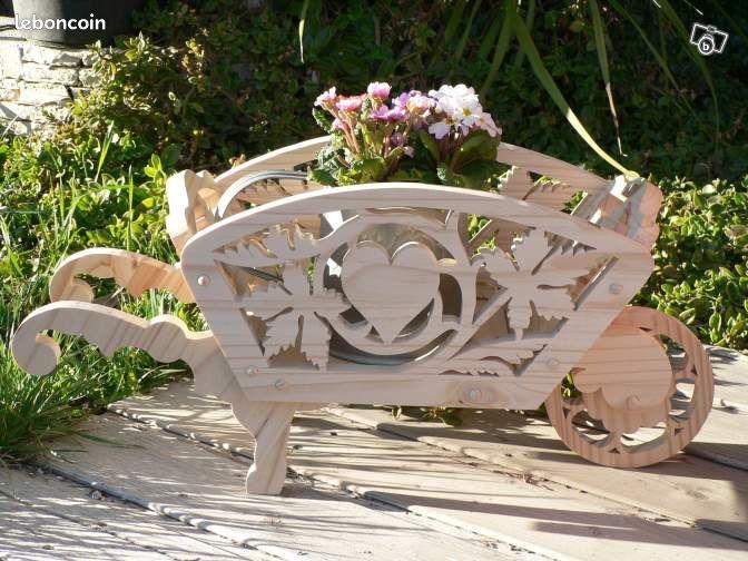 Brouette bois d co support drag e mariage bapteme d coration bouches du rh ne - Brouette bois decorative ...