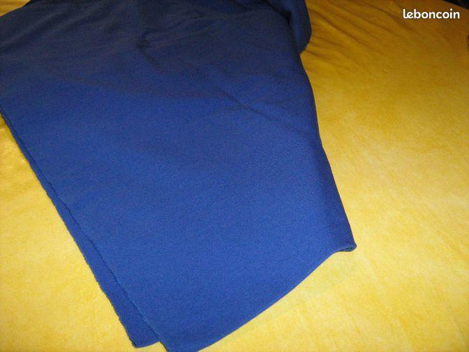 cotonnade de couleur bleu fonce v tements is re. Black Bedroom Furniture Sets. Home Design Ideas