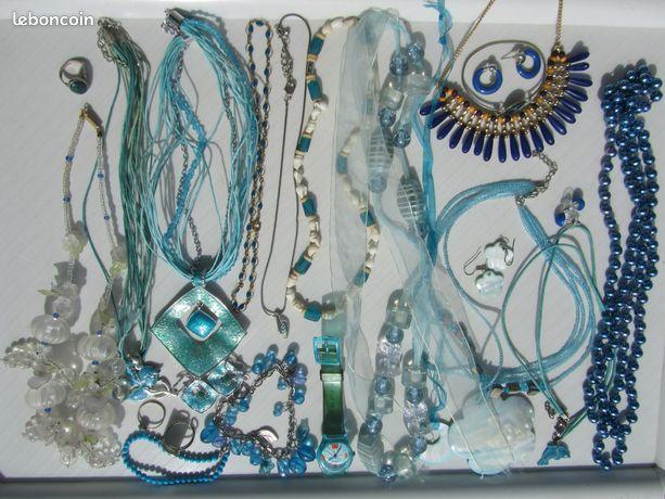 Lot bijoux fantaisie bleu
