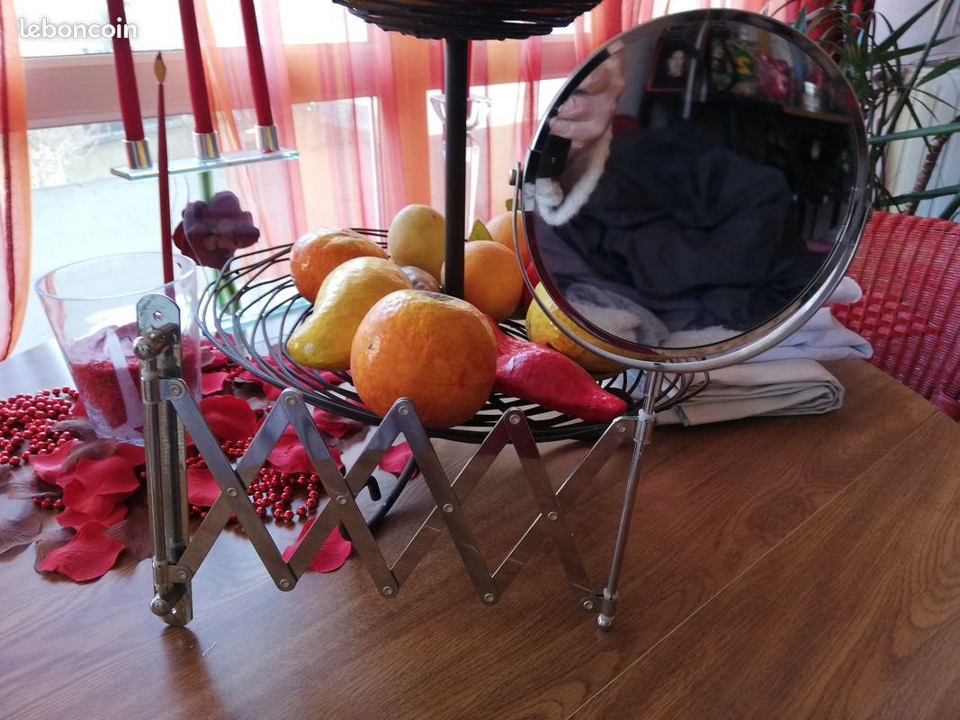 Miroir avec support accordéon mural