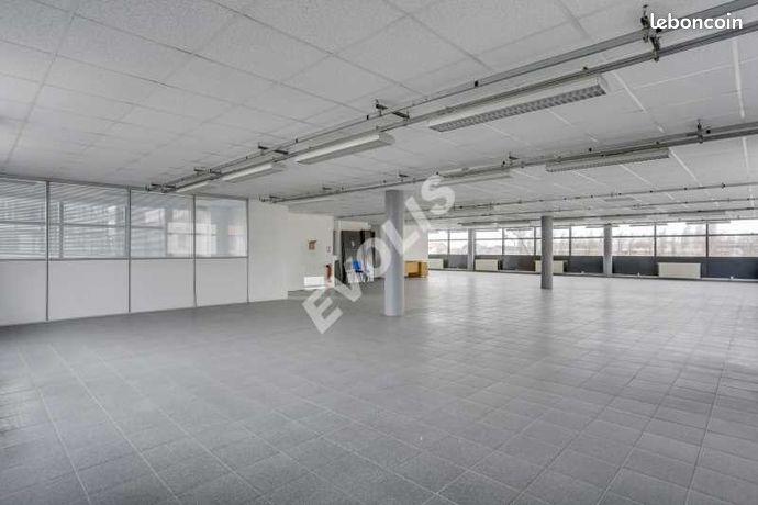 Local bureaux 360 m²