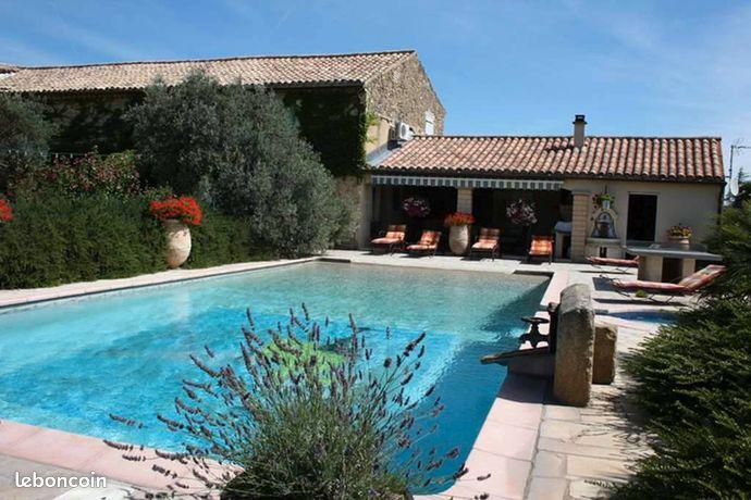 Mas provencal de prestige piscine spa bar festif
