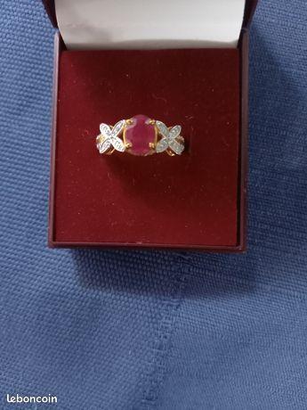 Jolie bague or 14kt,rubis et diamants