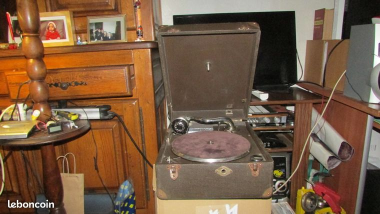 Gramophone a manivelle