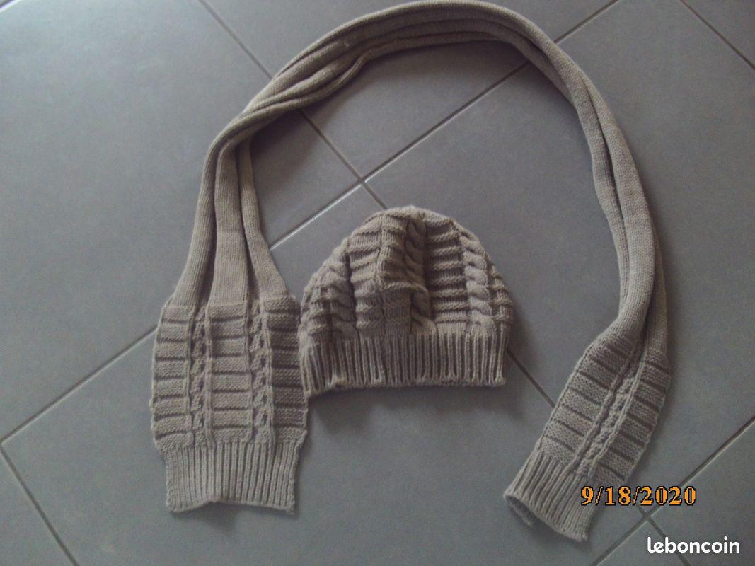 Ensemble bonnet/ echarpe (bb22)