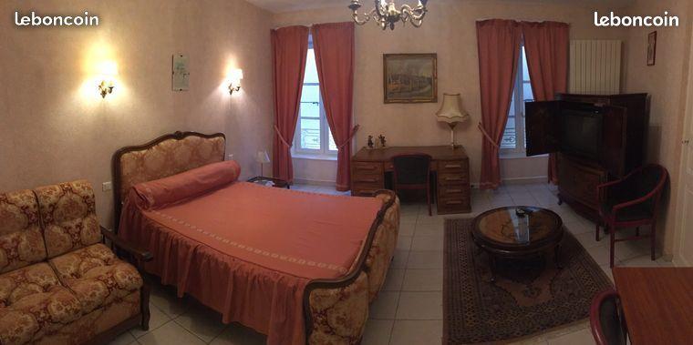 Chambre meublée Roussillon
