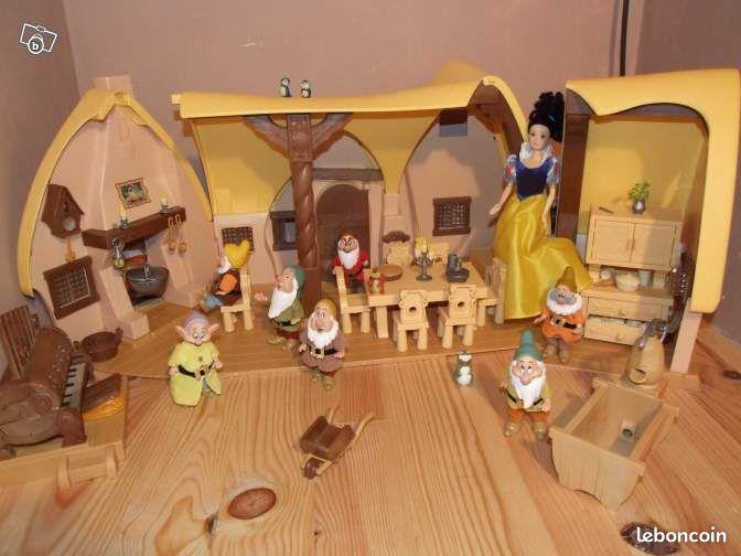 Chaumi re blanche neige jeux jouets gers for Maison des sept nains