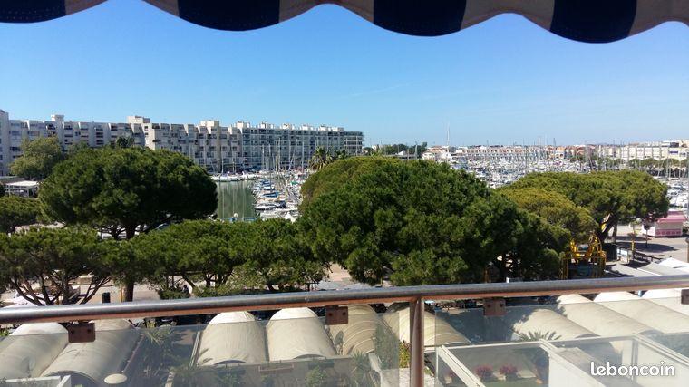 Superbe appartement F3   terrasse 21m2 plein sud vue port - plage à 200m - à 10 mns de Montpellier