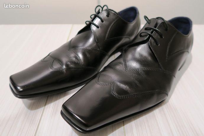 hot sale online c6eca f77e7 Chaussure KENZO en cuir noire de taille 42,5