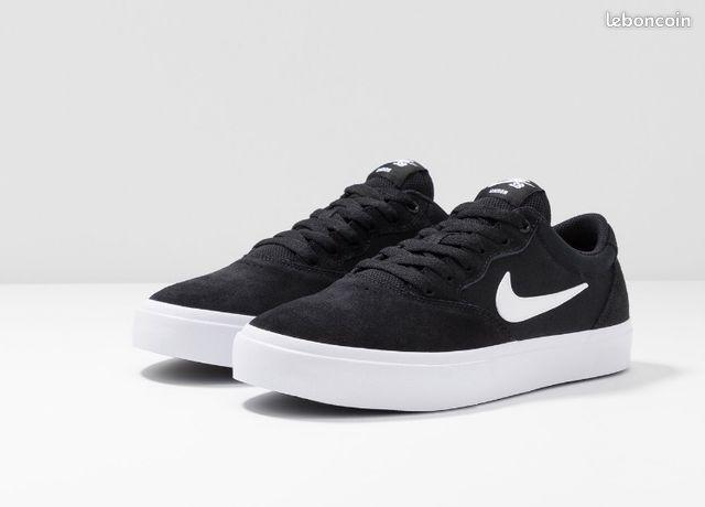 Baskets noires basses Nike - CHRON