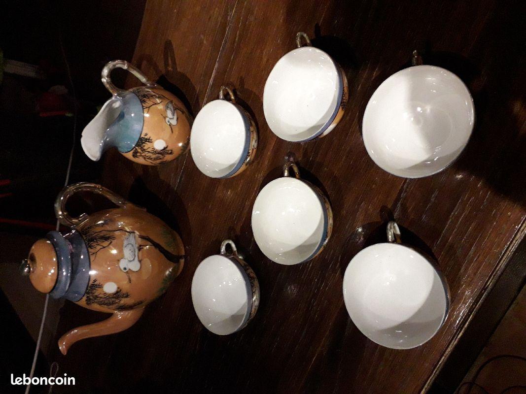Service à thé en porcelaine japonaise