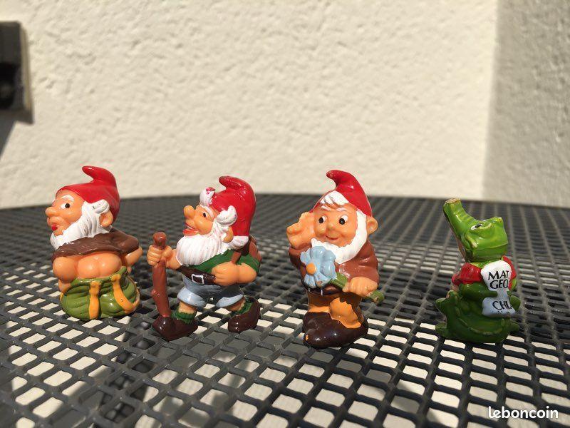 Figurines kinder collector (lutins + croco)