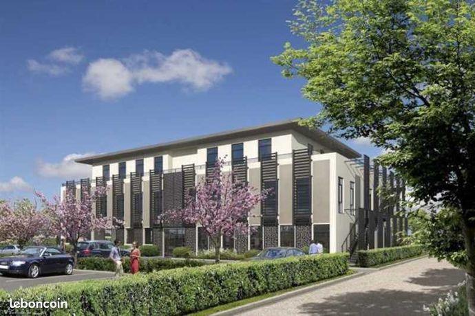 Local bureaux 1 044 m²