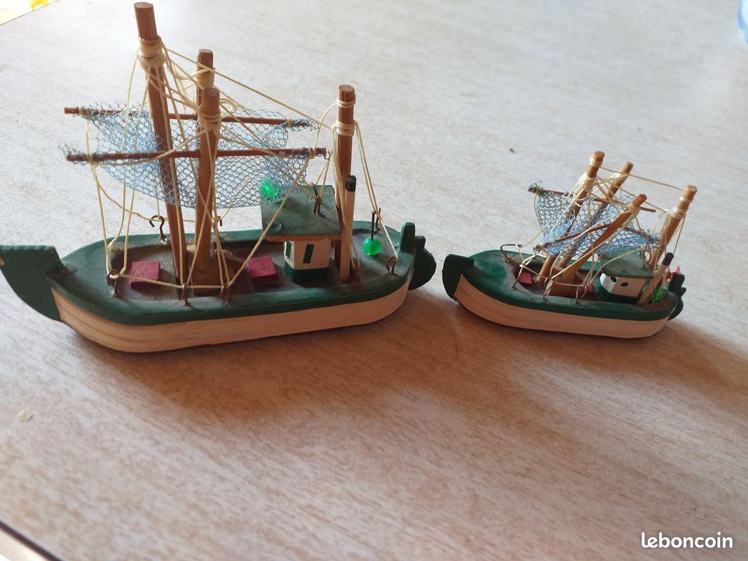 Bateau de peche miniature