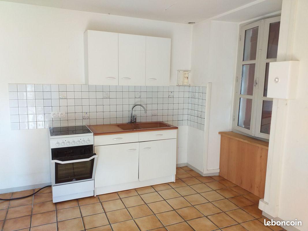 Appartement t2 - 38 m2 - centre ville gan