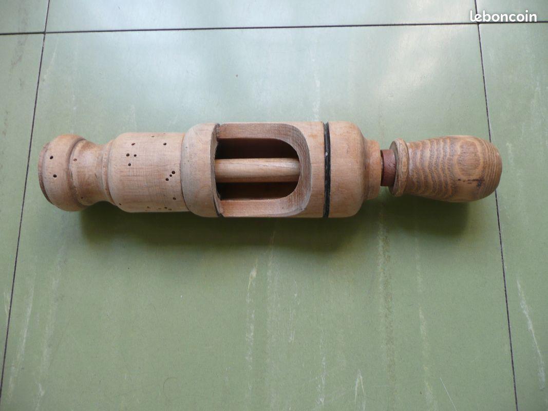 Bouche bouteille en bois bouchonneuse ancienne
