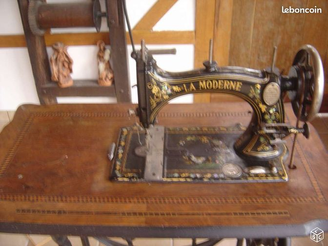 Machine a coudre d coration haute marne for Machine a coudre 80 euros