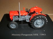 Occasion, Tracteur miniature 1/43 MASSEY-FERGUSON MF 35X d'occasion  Neuville-aux-Bois / Loiret